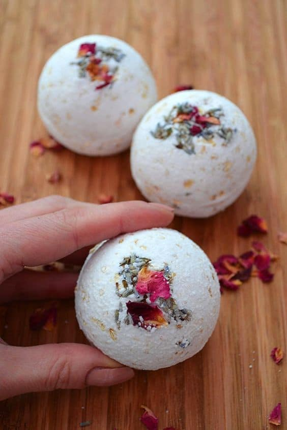 Crafts to Make and Sell: DIY Bath Bombs