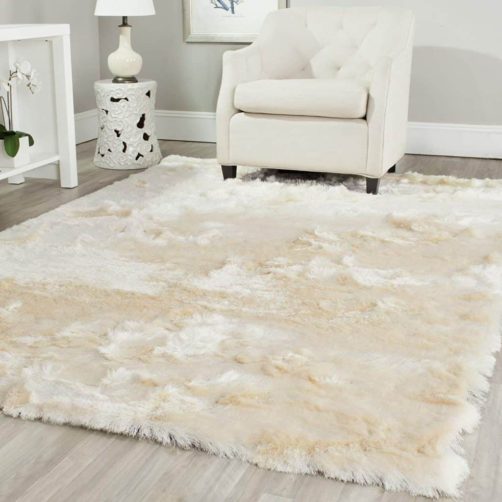 White Shag Rug - Amazon Home Decor Finds